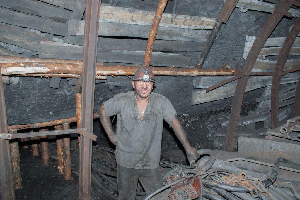 miner-3629671_1280